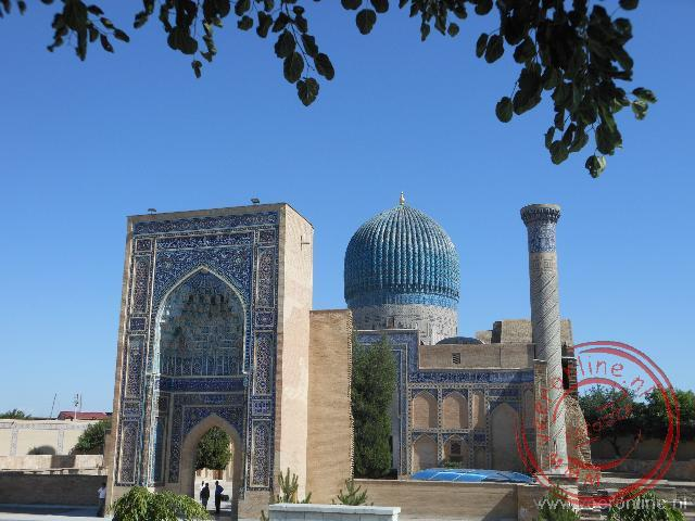In het Gur-e Amir complex ligt de tombe van Timur Lenk
