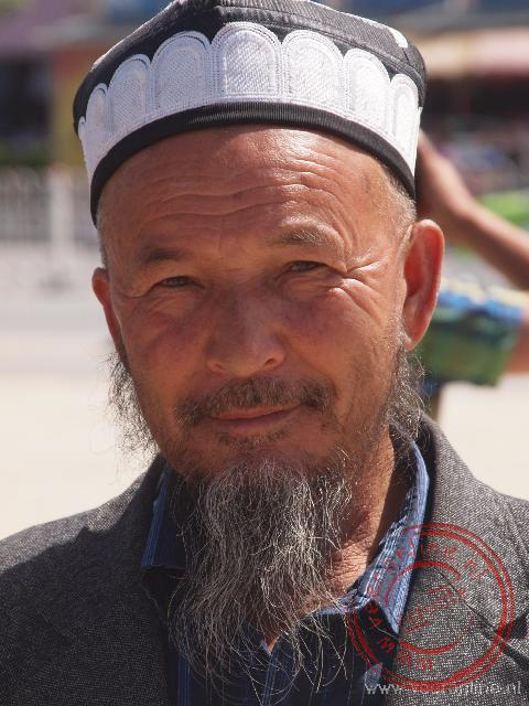Een Oeigoerse man in Kashgar