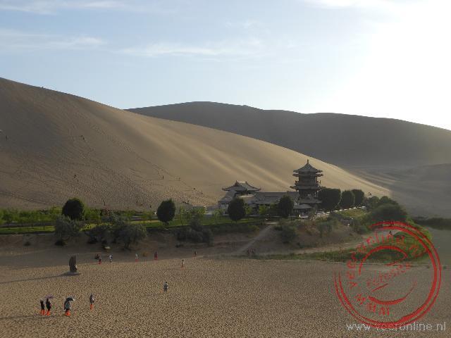 De pagode aan het halve maan meer in Dunhuang