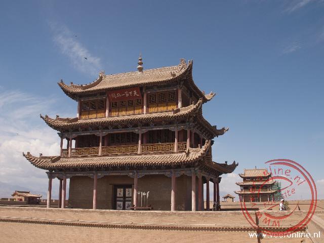 De toegangspoort van het fort van Jiayuguan