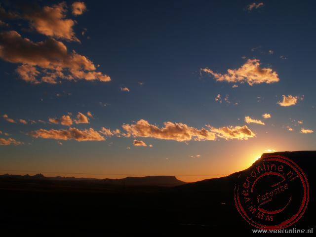 De zon gaat onder in Lesotho