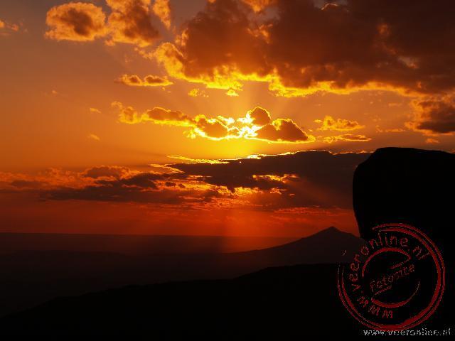 Een prachtige zonsondergang in de vallee of desolation