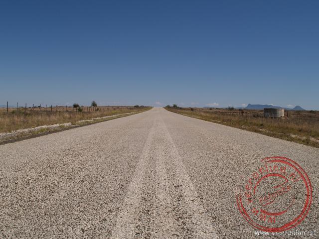 De eindeloze weg door de Karoo