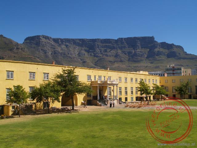 The Castle of Good Hope in Kaapstad met op de achtergrond de Tafelberg