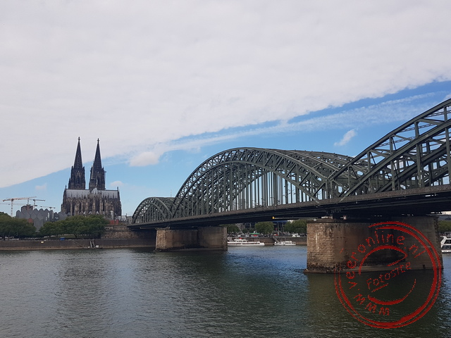 De Hohenzollernbrücke behoort to een van de drukste spoortrajecten van Duitsland